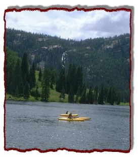 Kayaks are popular on Cataract Lake